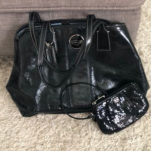 Coach patent leather purse and wristlet